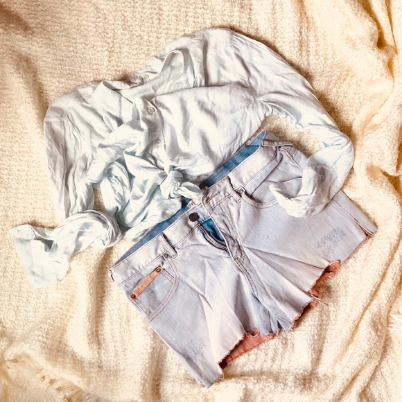 Free People Pants - LIKE NEW 🍃Free people🍃 jeans shorts